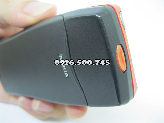 Nokia-8210-mau-cam-nguyen-zin-thay-vo-moi-ms-v005_10.jpg