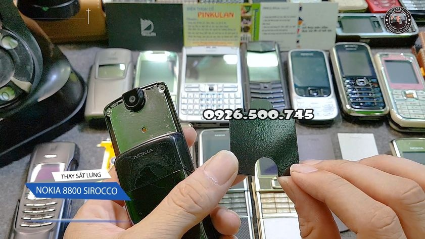 thay-sat-lung-nokia-8800-sirocco_3.jpg