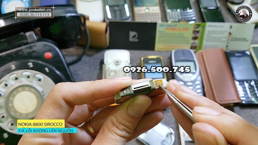 fix-loi-khong-nguon-tren-nokia-8800-sirocco_2.jpg