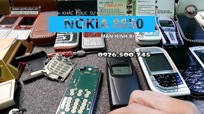 Khac-phuc-loi-man-hinh-tren-nokia-8850-gold_1.jpg