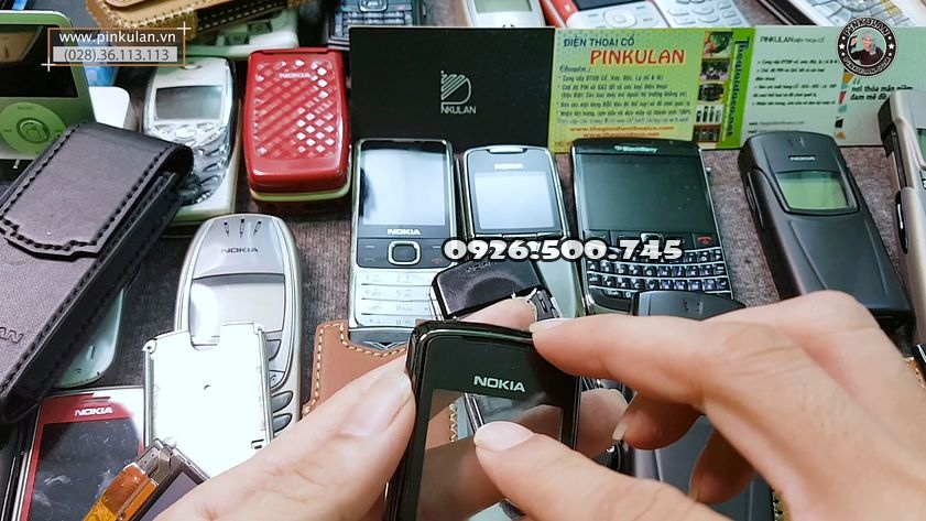 ve-sinh-mat-kinh-thay-keo-nokia-8800-sirocco_4.jpg