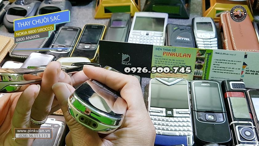 Thay-chuoi-sac-Nokia-8800-Sirocco_5.jpg