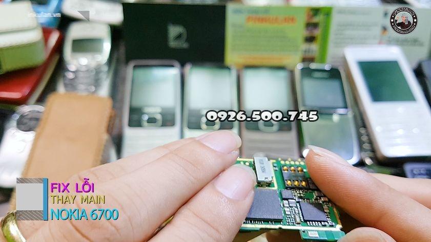 Thay-main-zin-cho-Nokia-6700-huyen-thoai_4.jpg