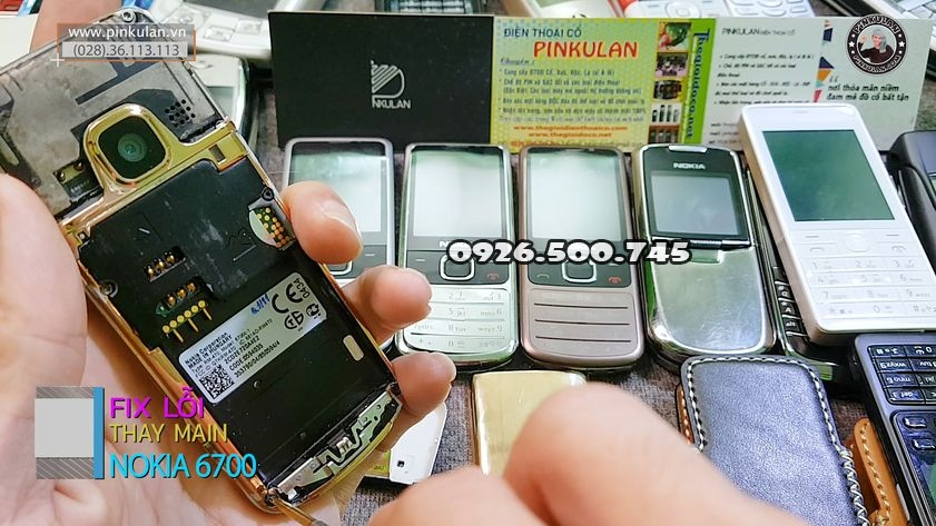 Thay-main-zin-cho-Nokia-6700-huyen-thoai_5.jpg
