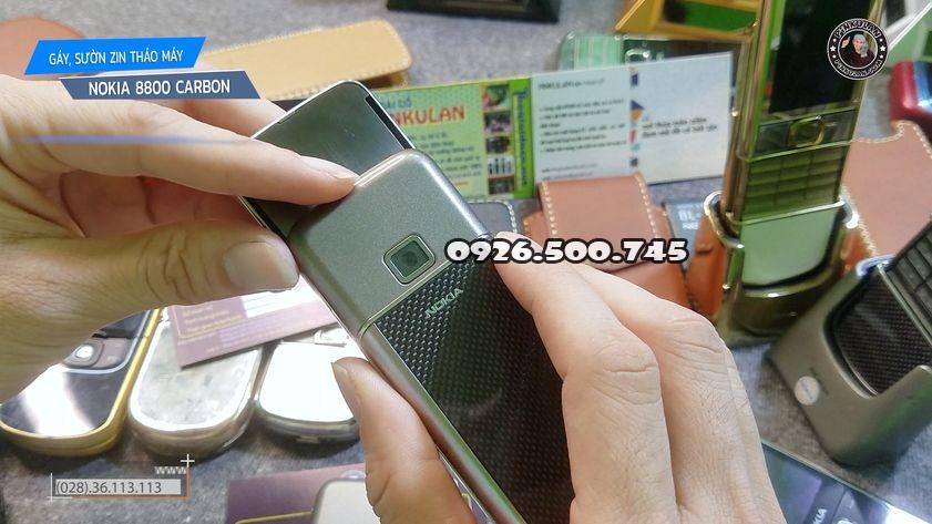 Thay-gay-suon-Nokia-8800-Carbon_2.jpg