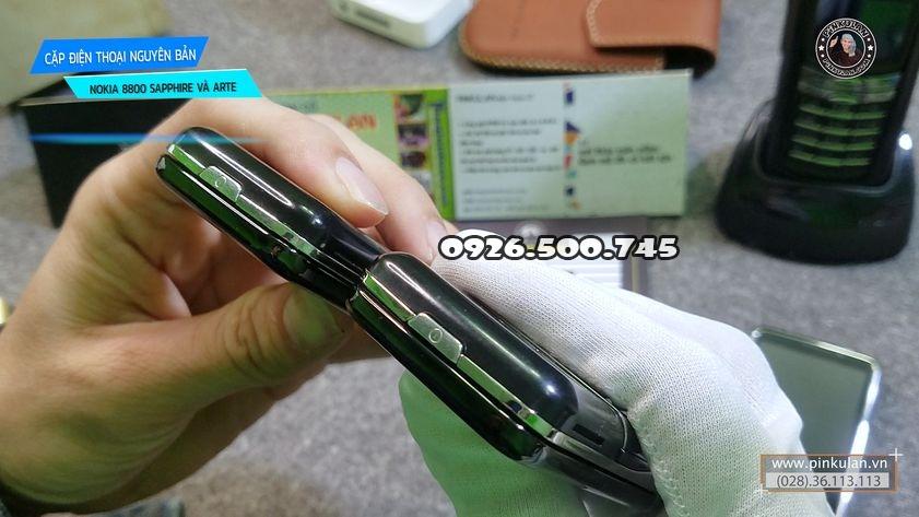 Nokia-8800-Saphire-va-Nokia-8800-Arte_3.jpg